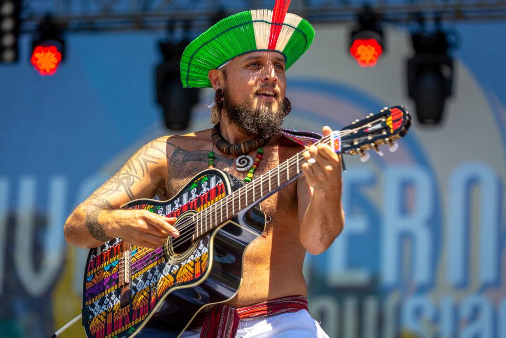 Dr Nativo performing
